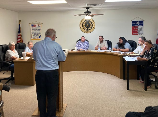 John Lee Blagg, the attorney for Jorge Camarillo, speaks to the Bangs City Council Monday night before the council voted to fire Camarillo as the city's police chief.