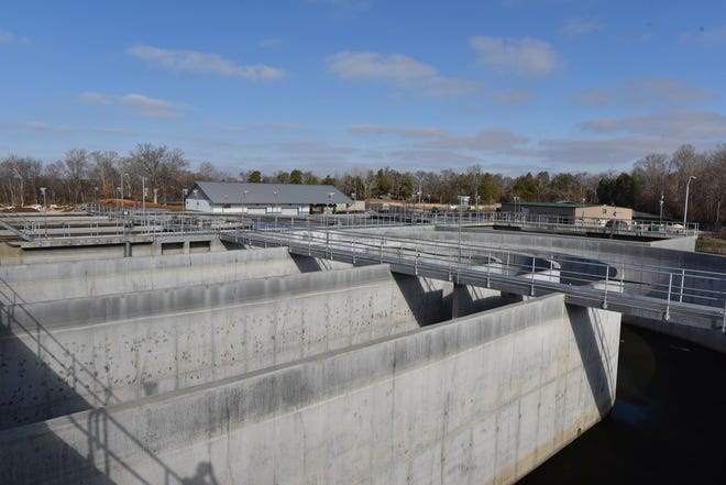 The City of Spring Hill Wastewater Treatment Facility, located at 3893 Mahlon Moore Road, operates and maintains a 5-million-gallon-per-day (MGD) treatment plant.