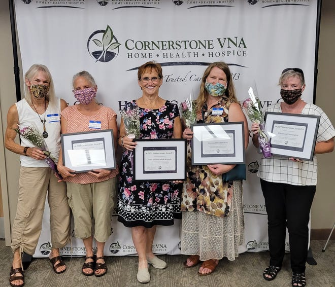 Left to right: Carol Borg and Karen Williams from Face Mask Makers from Barnstead and beyond, Lise-Marie Descoteaux from Tara Estates Mask Brigade, Amy Ouellette from Seacoast Mask Makers, and Kathy King from Friends of Farmington.