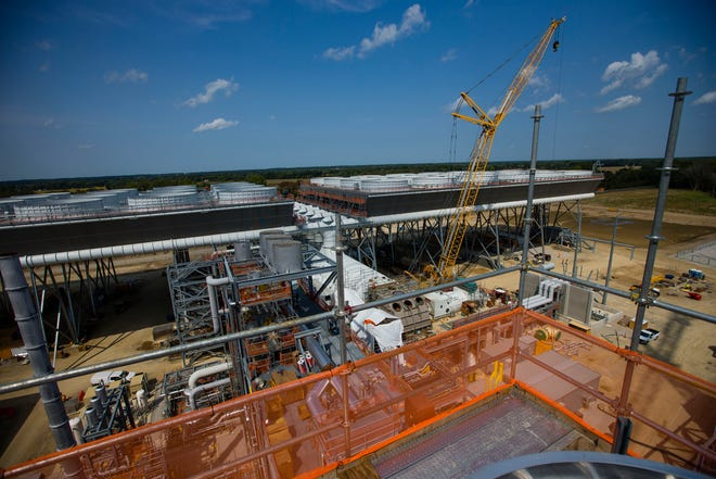 First conceived 20 years ago, the Indeck Niles Energy Center is nearing the finish line. The plant will use natural gas to produce electricity to feed the grid.