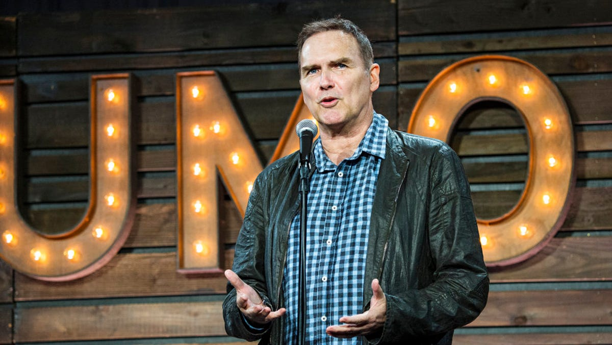 'Saturday Night Live' comedian Norm Macdonald dead at 61 after battle with cancer 2