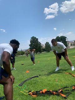 Deylon Williams, a linebacker at the University of Texas at El Paso, training local youth athletes.