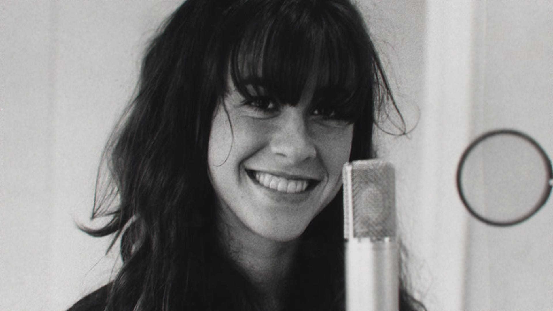 This was not the story I agreed to tell : Alanis Morissette blasts new documentary  Jagged