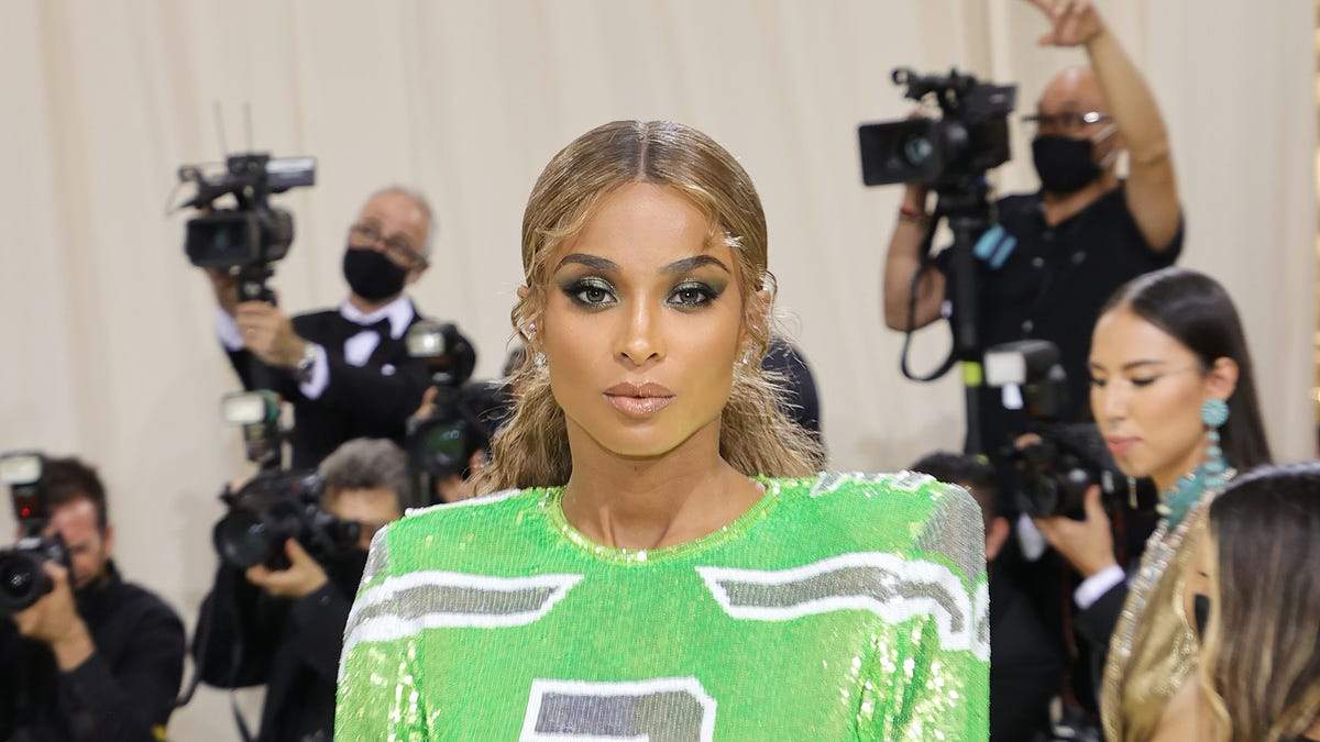 Ciara wears dress to Met Gala inspired by her husband, Seattle Seahawks QB Russell Wilson – USA TODAY