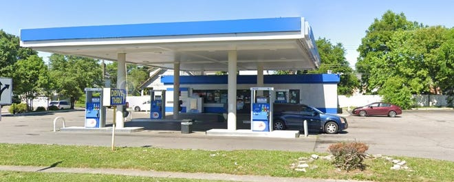 A Mobil gas station at 1509 Lockbourne Road on the South Side, which has been the scene of a homicide and nearly 30 other shootings, will close for 30 days and add security measures as part of a settlement with the Columbus City Attorney's office.