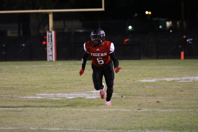 Jamarcus Miller and Donaldsonville will face White Castle at Plaquemine High on Friday night.