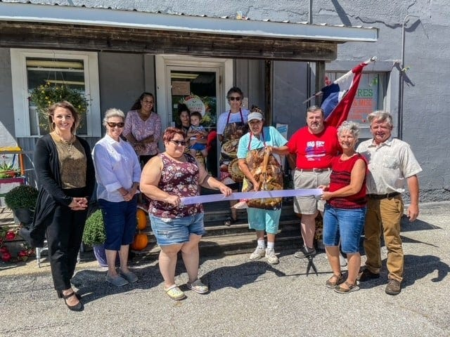 The Marceline Chamber of Commerce recently held a ribbon-cutting at 3.5 Acres Market, located at the old County Line building on Missouri Highway 5 South. The market offers fresh produce, baked goods, crafts and plants.