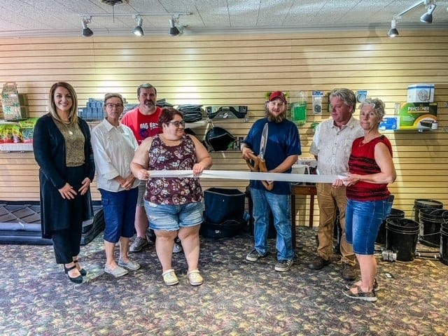 The Marceline Chamber welcomed Brandon Sportsman and his business Elite Garden Supply, at 117 N Main Street USA.  Elite Garden Supply is also on Facebook.