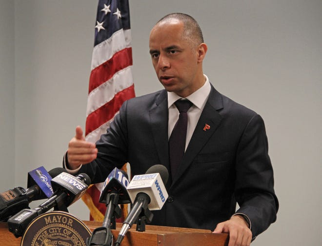In a lawsuit filed Wednesday, Providence Mayor Jorge Elorza claims thatCommissioner AngélicaInfante-Green incorrectly tabulated what thecity owes its schools byexcluding COVID relief funds totaling $50 million from its school aidcalculations.