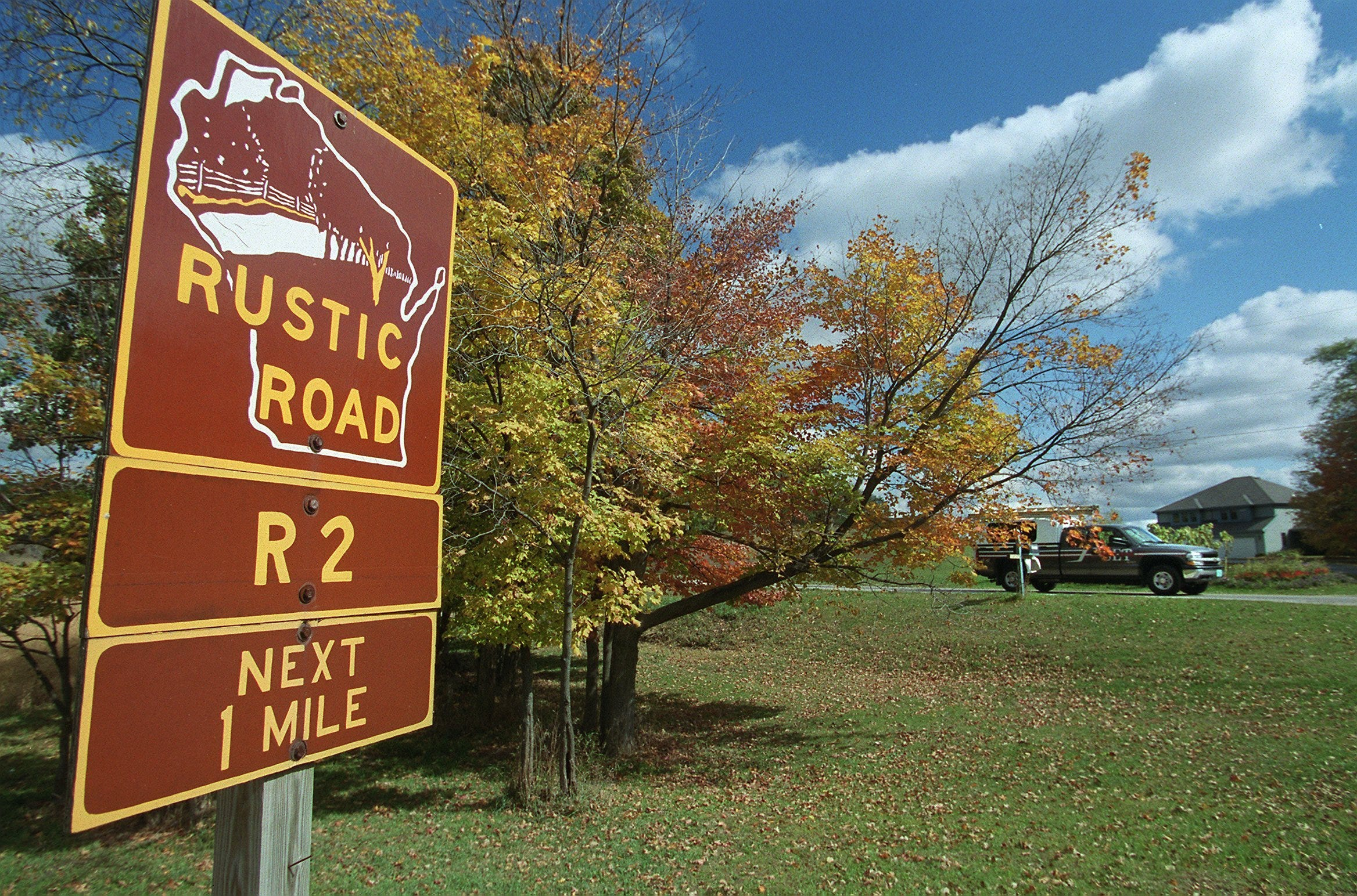 Rustic Road 2 follows Honey Lake Road, Maple Lane and Heritage Road through Rochester in Racine County.