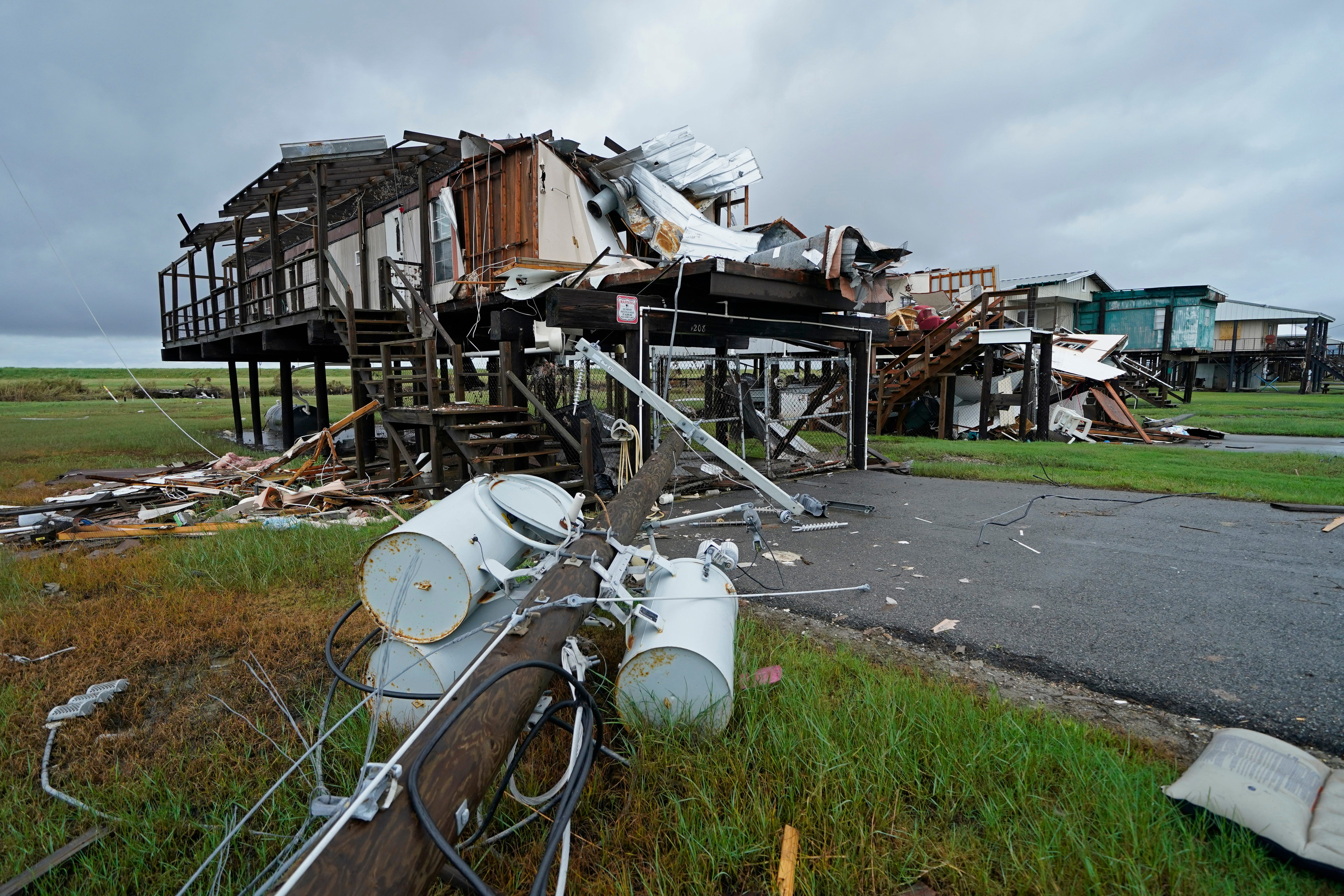 Despondent : Battered Louisiana city gets more rain from Nicholas; 100,000 without power in Texas