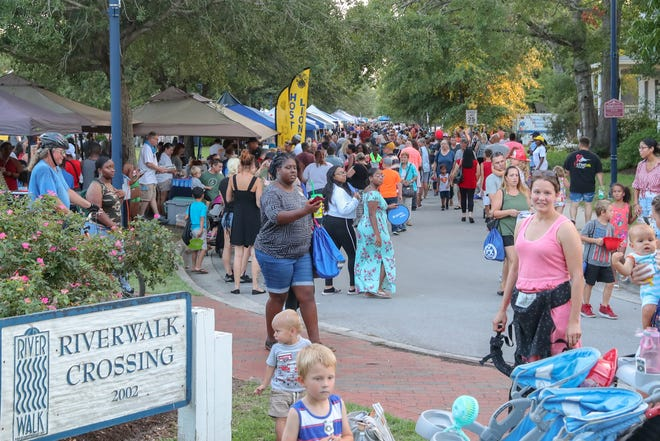 Onslow County residents crowd Riverwalk Crossing Park for National Night Out, August 2019.