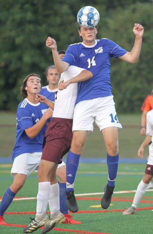 Middletown, shown in a Sept 15 match with Tiverton, edged EWG on Thursday, 3-2.