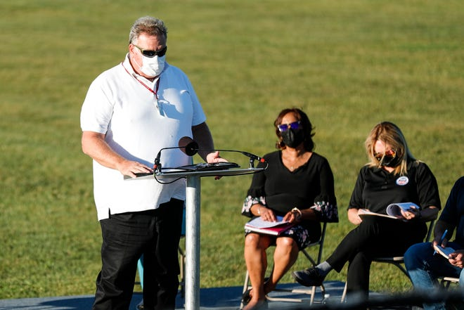 Flat Rock mayor Mark Hammond speaks during a town hall meeting at the Flat Rock Community Fields in Flat Rock on Thursday, Sept. 16, 2021.