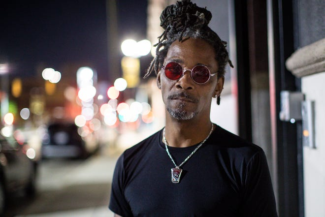 Musician Grover Tigue before performing at Craft Cannabis Club in Detroit on Sept. 15, 2021.