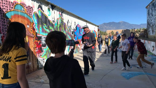 Taos student filmmakers at a 2019 We Make Movies/Apple workshop at Vagrant HeArt Gallery.