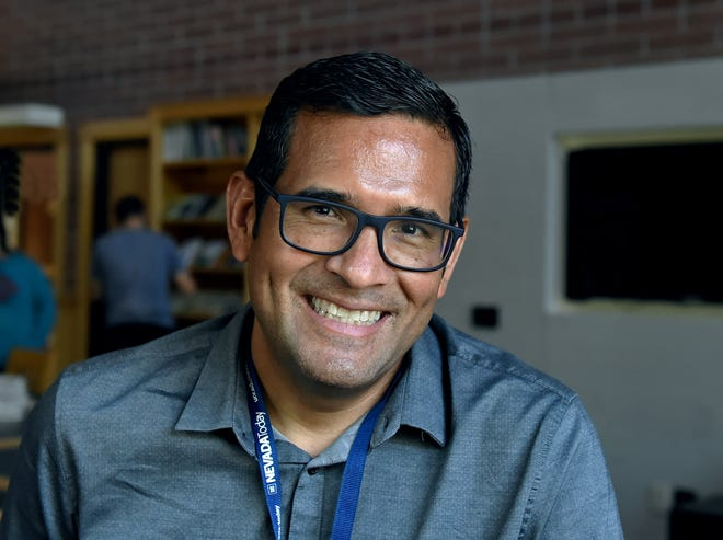 Puilitzer Prize winner photojournalist Marcio Sanchez poses for a photograph in the Reynolds School of Journalism on the UNR campus on Sept. 16, where he was a special speaker for the Hispanic/Latinx Heritage Month.