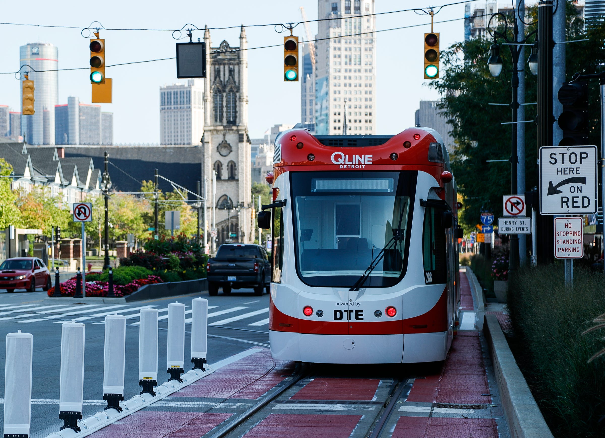 QLINE, buses get transit-only lane in front of Little Caesars Arena