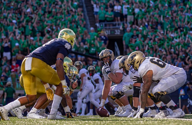 The Notre Dame defense lines up against the Purdue offense during ND's 27-13 win, Saturday, Sept. 18, 2021, at Notre Dame Stadium.