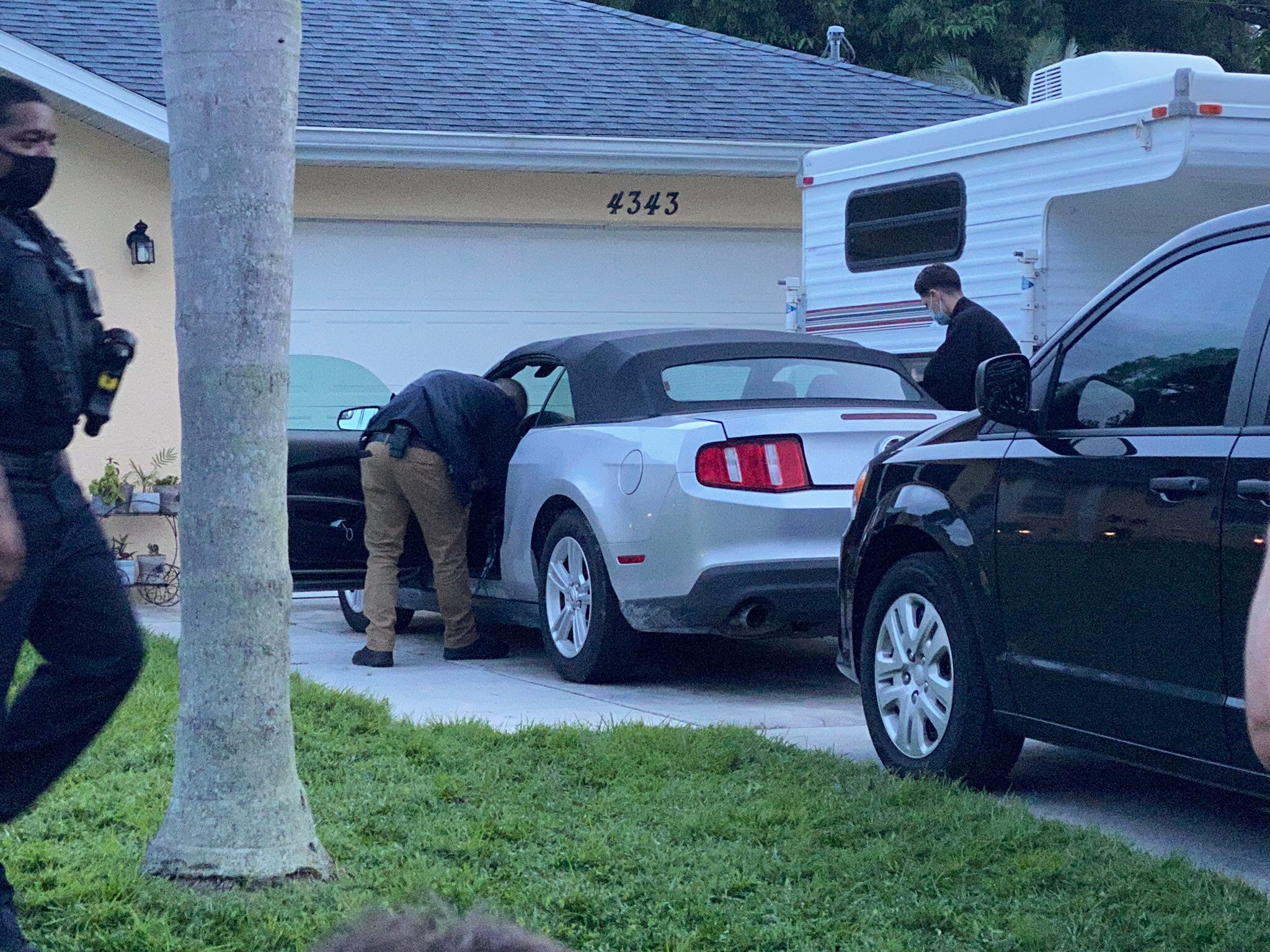Gabby Petito updates: Authorities, protestors gather at Gabby Petito's fiancé's home, Brian Laundrie