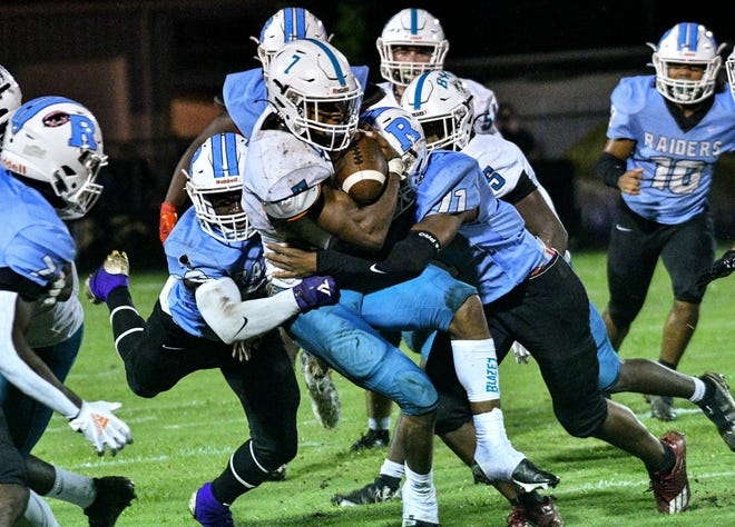 Justus Durant of Bayside runs the ball during the game against Rockledge Friday, Sept. 16, 2021. Craig Bailey/FLORIDA TODAY via USA TODAY NETWORK