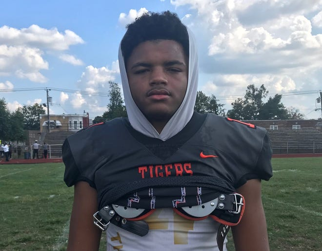Woodrow Wilson senior Amari Clark had five catches for 96 yards and two touchdowns in a 44-21 victory over Haddonfield on Saturday.