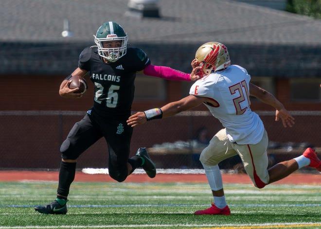 Edison and St. Joseph high school football teams met Saturday afternoon at the St. Joseph high school football field.