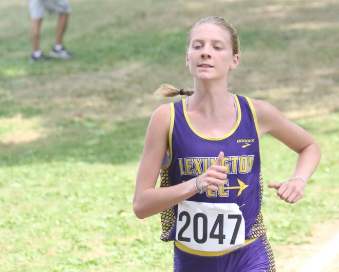 Lexington's Emma Wise ran a 19:24 to win the Division II race at the Malone Invitational and lead Lady Lex to a team title.