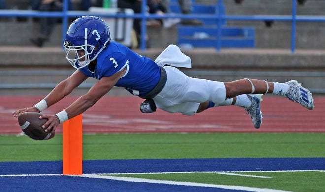 Jacob Chappa dives into the end zone for Lake View during a game against Snyder at San Angelo Stadium on Friday, Sept. 17, 2021.