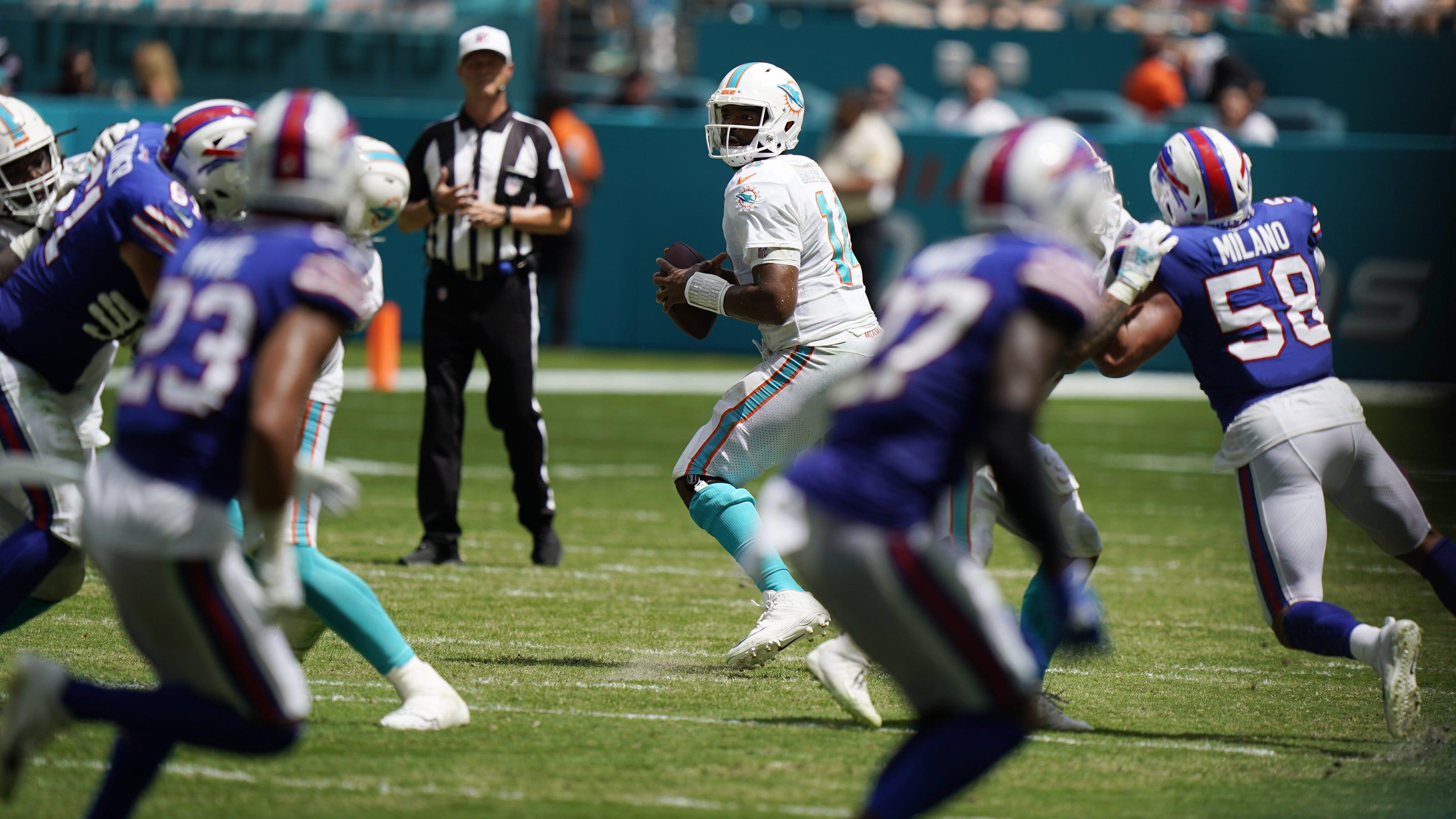 487f864b ad78 4f40 a469 b835acf4bed7 Bills Dolphins Football 8 jpg?crop=5641,3174,x0,y286&width=3200&height=1801&format=pjpg&auto=webp.