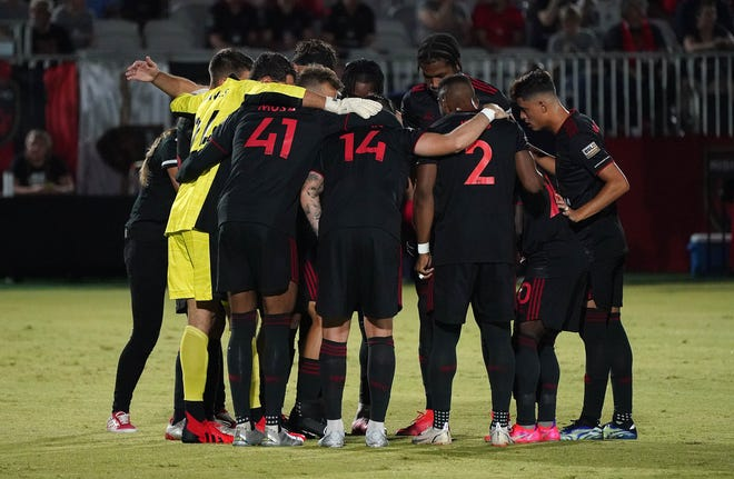 Phoenix Risings players huddle before their game against Orange County  at Phoenix Rising Soccer Complex in Chandler Sept, 18, 2021.