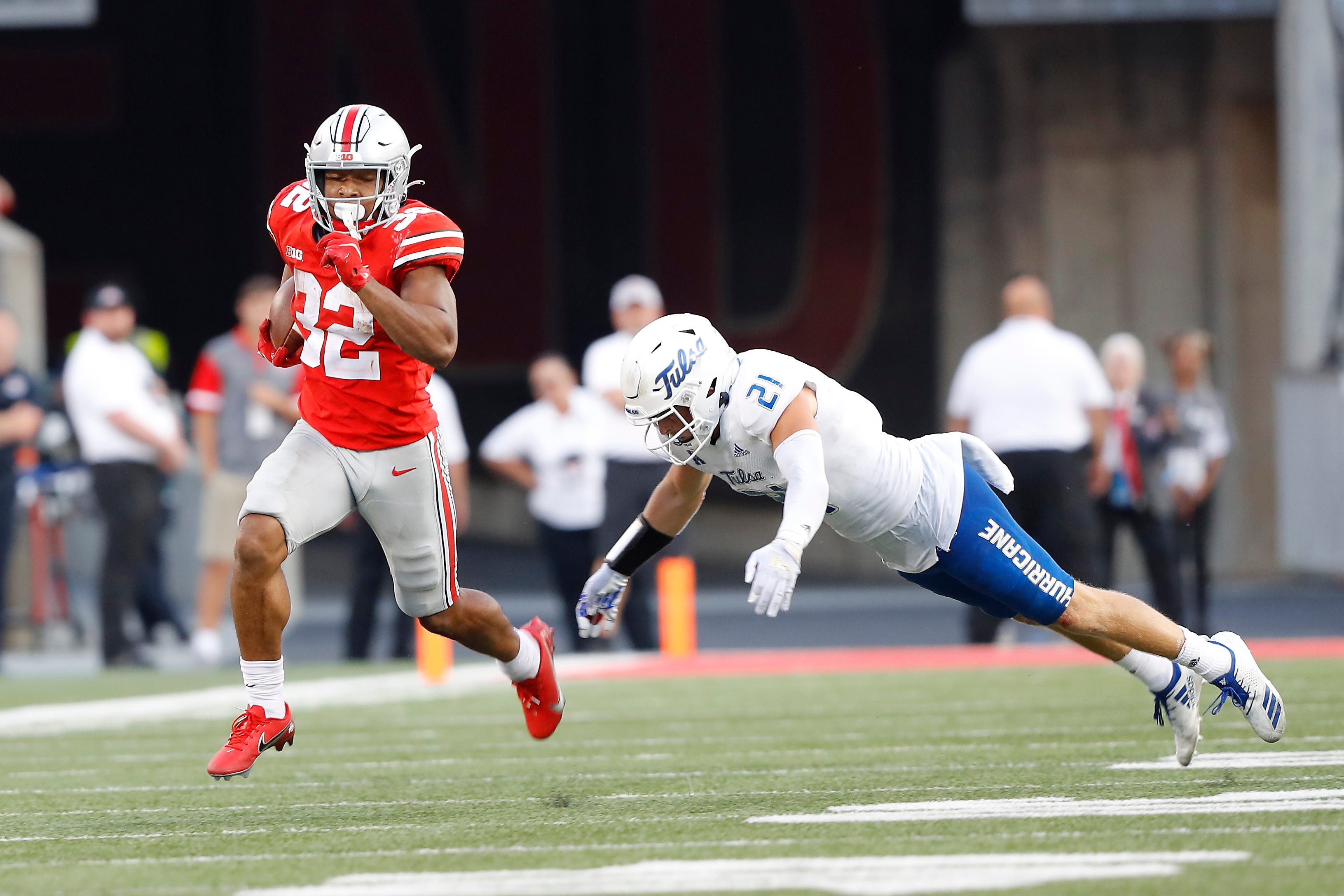 TreVeyon Henderson breaks Archie Griffin s single-game freshman rushing record in Ohio State s win vs. Tulsa