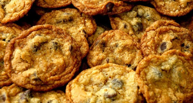Light and Crispy Chocolate Chip Cookies
