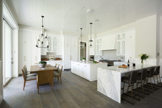 Kurtis Kitchen & Bath's new store features kitchen and bath displays including cabinetry by KraftMaid, Wellborn and UltraCraft as well countertop materials such as quartz, granite, solid surfaces and laminate.