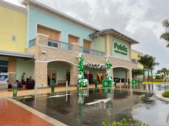 An exterior shot from opening day at the new 'Big' Publix on Marco Island.