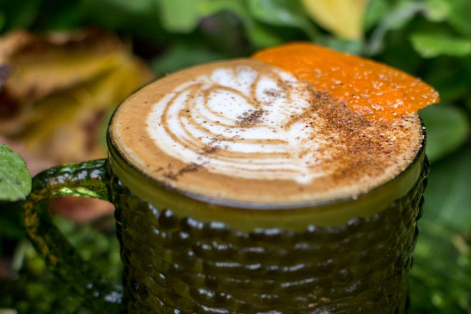Chant, an oat-milk espresso latte with flavors of chanterelles, oak-aged maple chai and orange, will be one of the drinks available when Discourse pops up on MIlwaukee's west side Sept. 26.