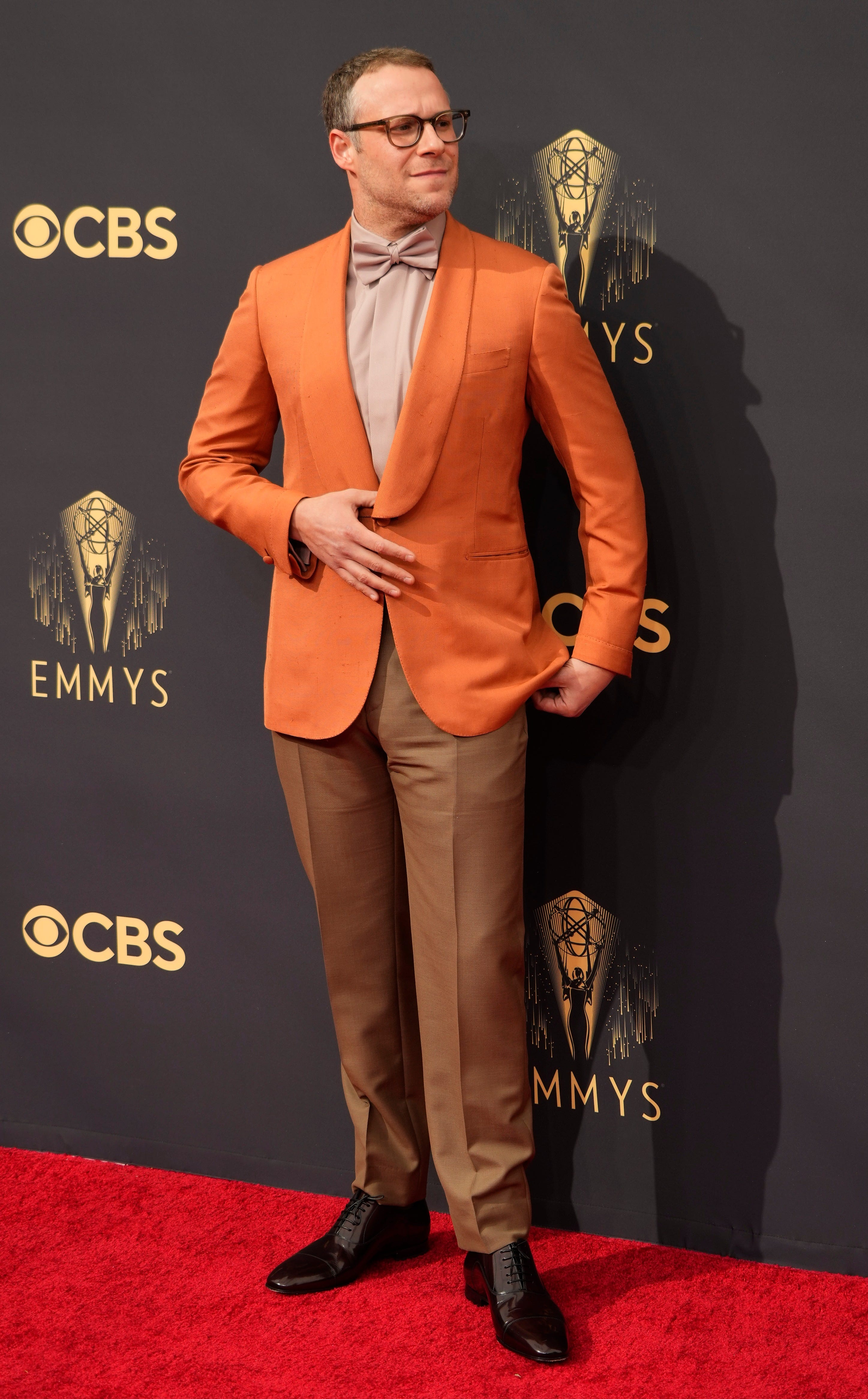 It s deeply frustrating : Emmys producers react to Seth Rogen s COVID protocol jokes at show