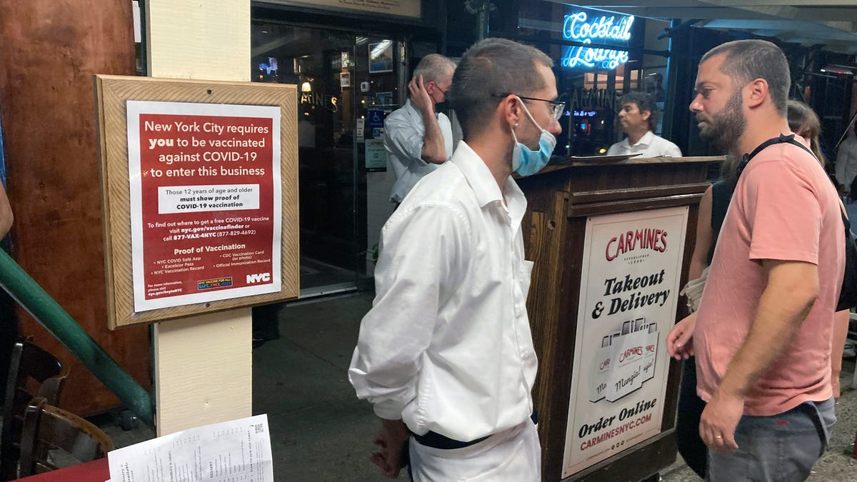 Texas women showed proof of vaccine at NYC restaurant before fight at hostess stand, lawyer says