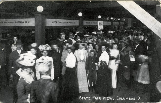 Visitors flock to the Ohio State Fair in 1910.