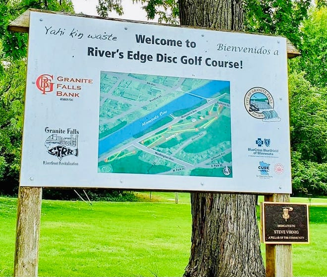 The disc golf course welcome sign and map was embellished with a dedication plaque honoring Steve Virnig at the Saturday tournament.