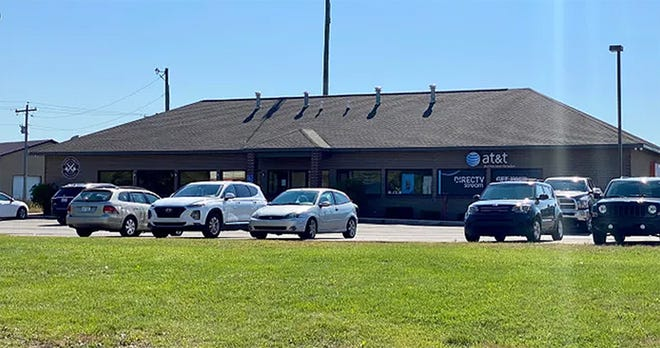 This AT&T store located in Sault Ste. Marie was involved in a bomb incident on Thursday morning, as was a Verizon Wireless location located within Cheboygan's Plaza 27 the same morning.