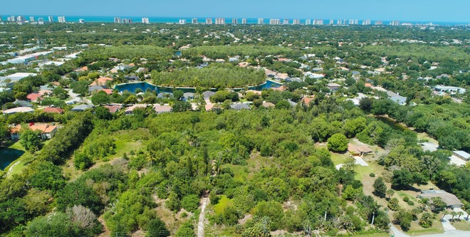 Planned development residential community – Palisades - to be built on this property on approximately 12 acres of land on Yarberry Lane in north Naples