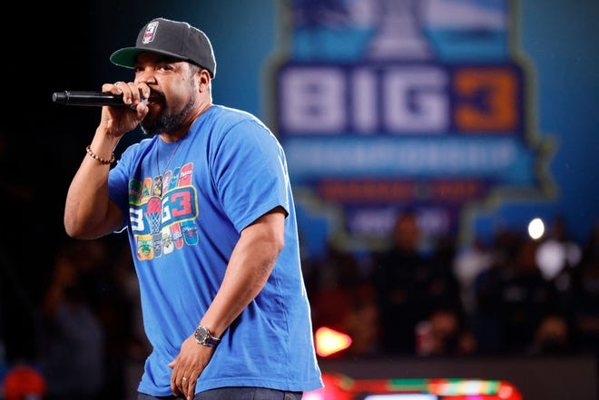 Ice Cube will be joined by Warren G for an Oct. 8 concert at EPIC Event Center in Ashwaubenon.