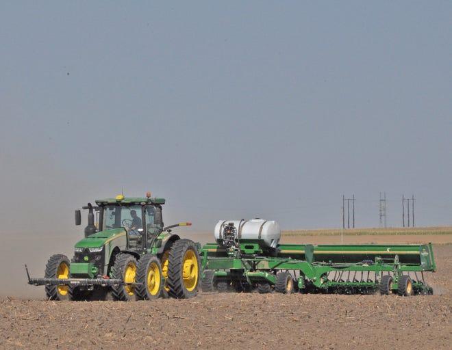 Fall wheat planting in northwest Kansas