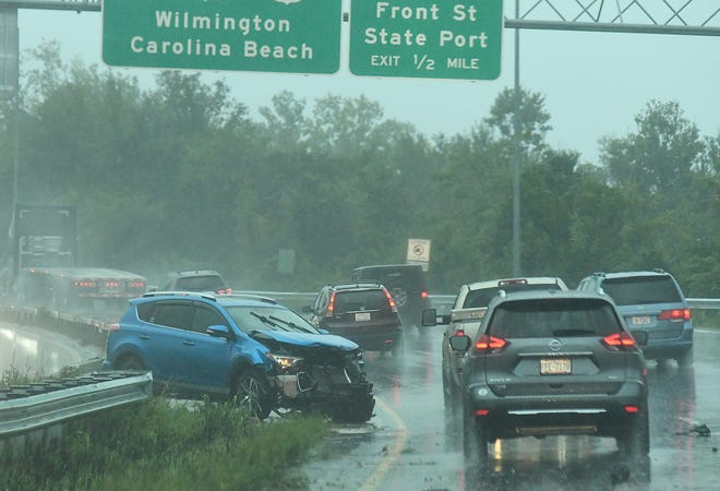 Heavy rains continue to fall across the area Tuesday afternoon making travel for students and workers going home for the day hard to to flooded roads and traffic problems. The rain is expected to continue on and off through out the day Wednesday also.  [KEN BLEVINS/STARNEWS]