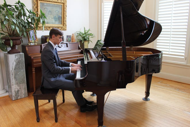 Jonathan Hamner, a junior at Northridge High School in Tuscaloosa, has been was named an Alabama Music Teachers Association's Division III Winners' Recital performer. [Submitted photo]
