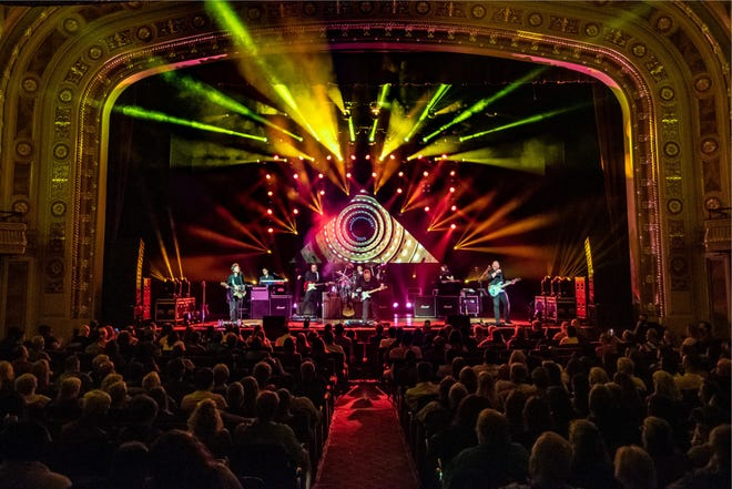 Black Jacket Symphony is recreating Pink Floyd's The Wall album on stage Friday at the Montgomery Performing Arts Centre.