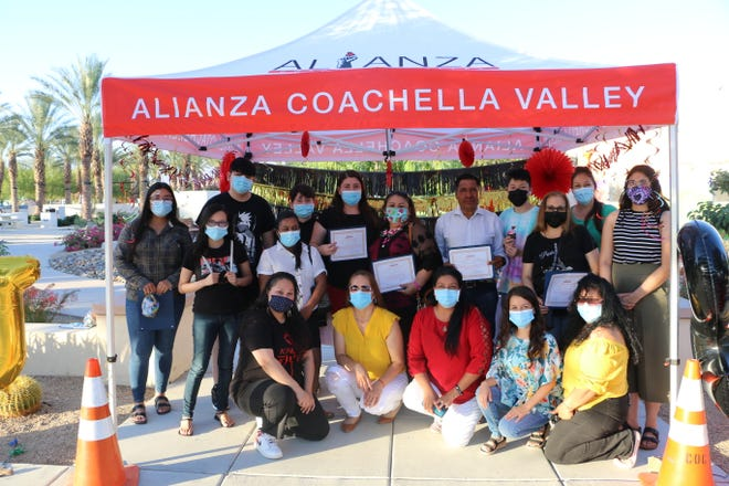 Alianza youth who completed a restorative justice training course, funded by the Regional Access Project Foundation, celebrate graduation.