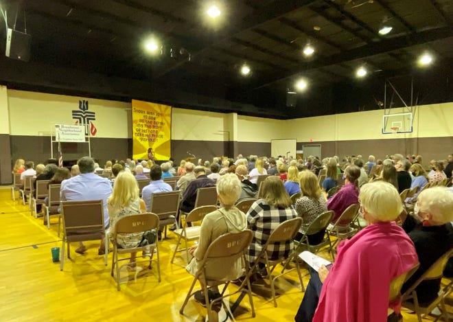 Broadmoor Neighborhood Association meeting for Arthur Circle proposal