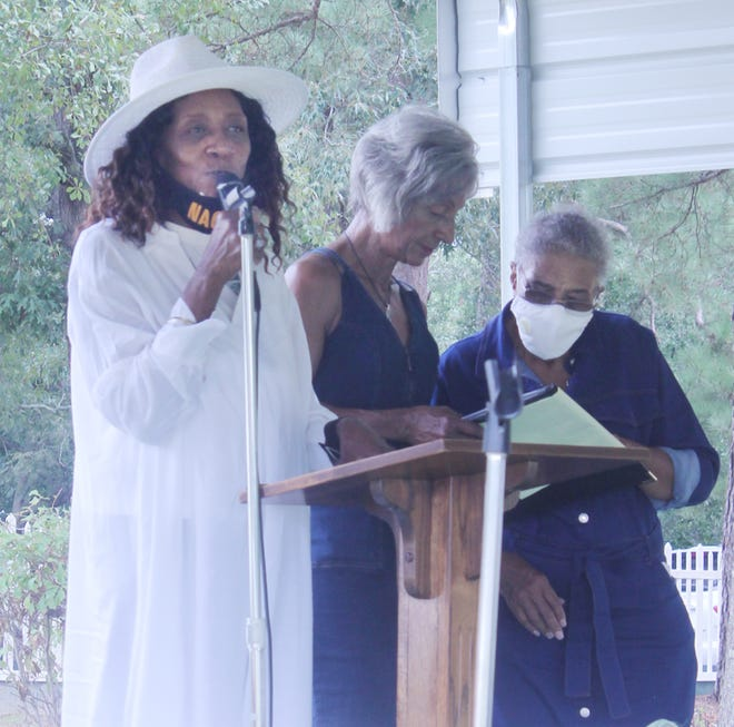 Barbara McLaughlin speaks to those gathered at the ceremony at Tarver Memorial Park in Wadley.